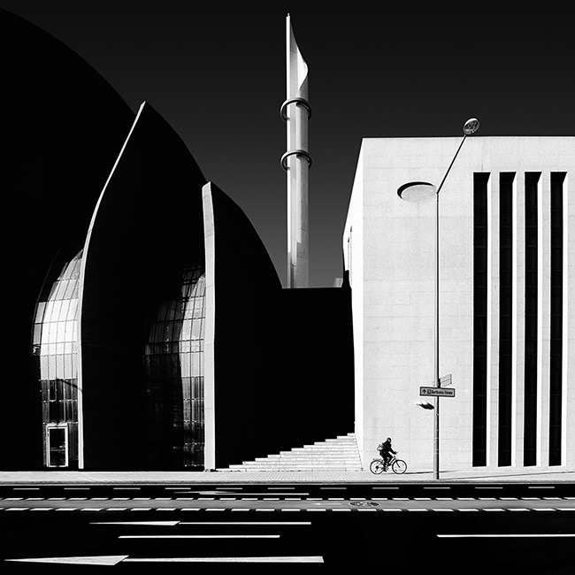 Monochrome Discovery of the Year (Amateur), Mosque by Hans Wichmann (Germany)